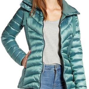Make Offer Bernardo Packable Puffer Jacket NWT